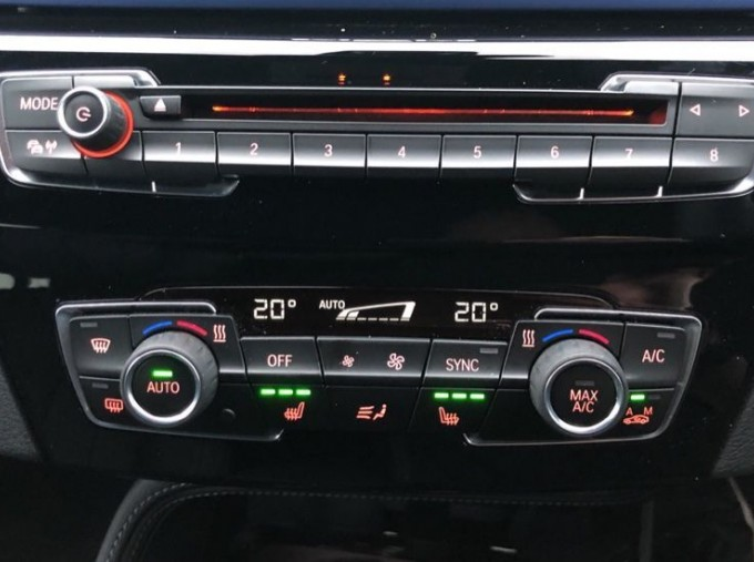 2020 BMW SDrive18d M Sport (Blue) - Image: 21