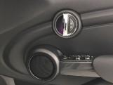 2020 MINI 5-door Cooper Sport (Grey) - Image: 20