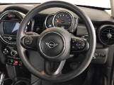 2020 MINI 5-door Cooper Classic (Black) - Image: 8