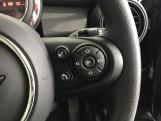 2020 MINI 5-door Cooper Classic (Black) - Image: 18