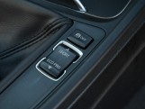 2016 BMW 320i M Sport Saloon (Blue) - Image: 19