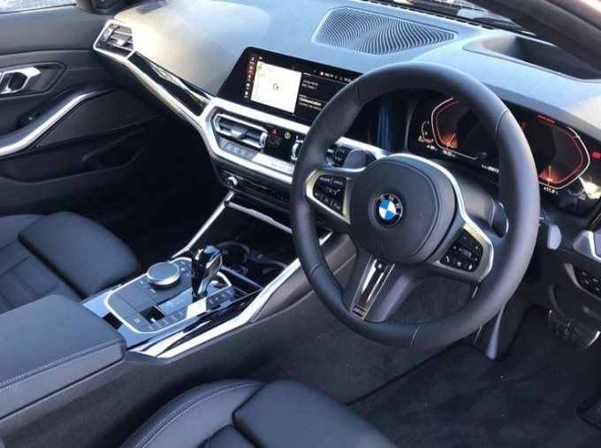 2020 BMW XDrive M Sport Pro Edition Saloon (Blue) - Image: 5