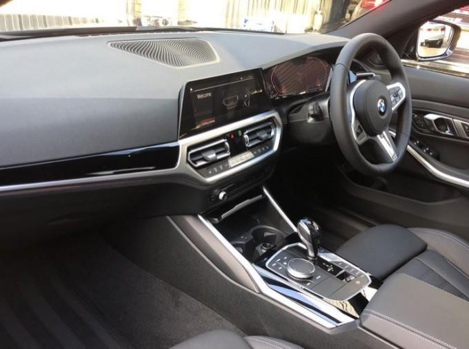 2020 BMW XDrive M Sport Pro Edition Saloon (Blue) - Image: 6