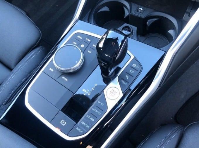 2020 BMW XDrive M Sport Pro Edition Saloon (Blue) - Image: 10