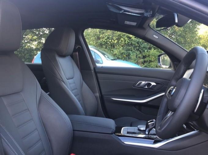 2020 BMW XDrive M Sport Pro Edition Saloon (Blue) - Image: 11