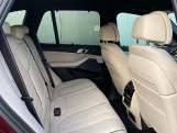 2020 BMW XDrive40d M Sport - Image: 31