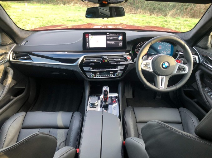 2021 BMW 4.4i V8 Competition Steptronic xDrive 4-door (Red) - Image: 4