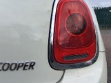 2016 MINI Cooper 3-door Hatch (White) - Image: 19