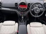 2019 MINI Cooper S E Exclusive (Green) - Image: 4