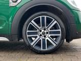 2019 MINI Cooper S E Exclusive (Green) - Image: 14