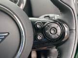 2019 MINI Cooper S E Exclusive (Green) - Image: 18