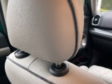 2019 MINI Cooper S E Exclusive (Green) - Image: 40