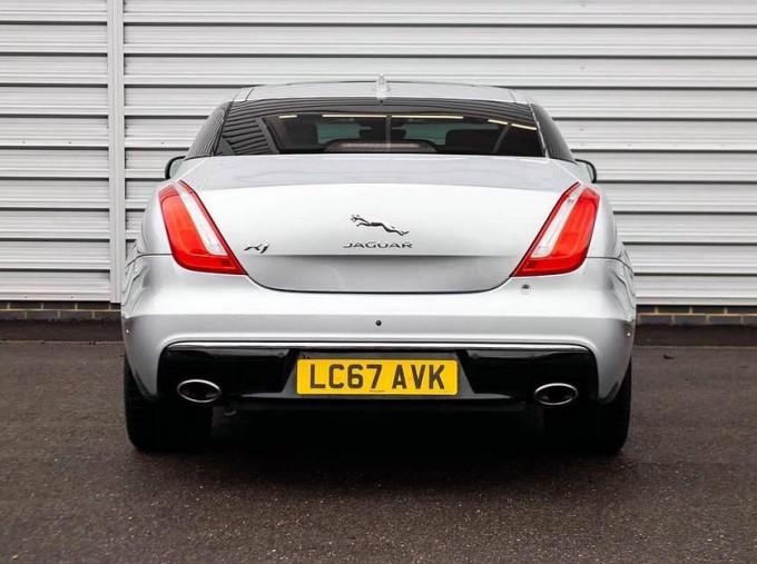 2017 Jaguar V6 Portfolio Auto 4-door (Grey) - Image: 6