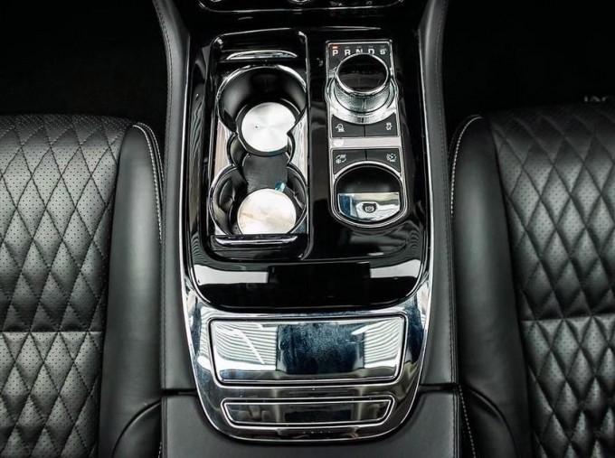 2017 Jaguar V6 Portfolio Auto 4-door (Grey) - Image: 12