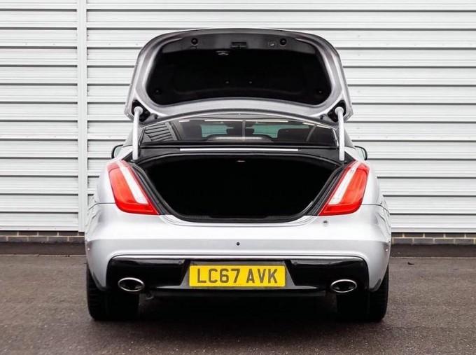 2017 Jaguar V6 Portfolio Auto 4-door (Grey) - Image: 15