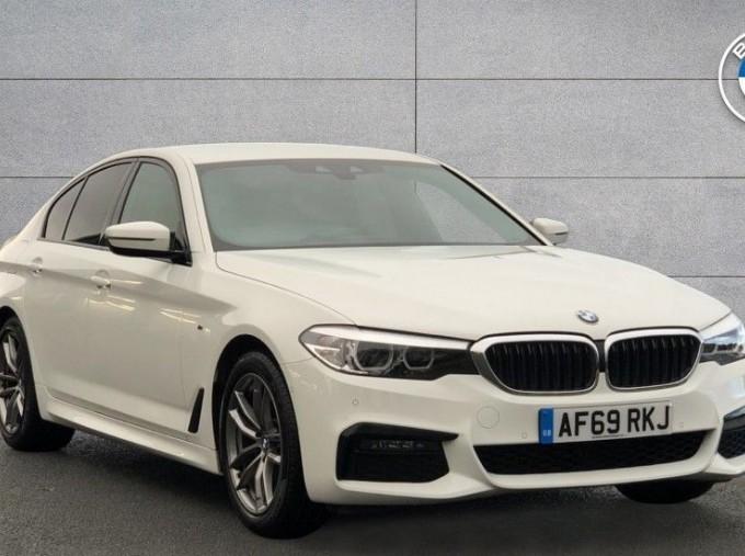 2019 BMW 520d M Sport Saloon (White) - Image: 1