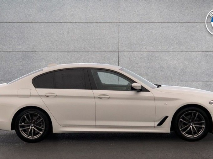 2019 BMW 520d M Sport Saloon (White) - Image: 3
