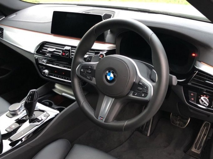 2019 BMW 520d M Sport Saloon (White) - Image: 6