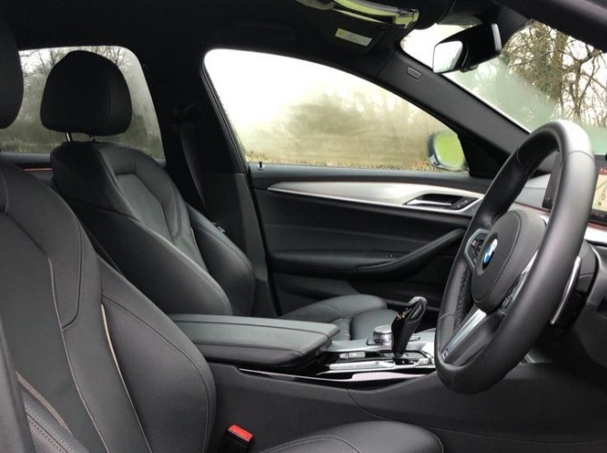 2019 BMW 520d M Sport Saloon (White) - Image: 11