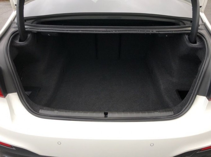 2019 BMW 520d M Sport Saloon (White) - Image: 13