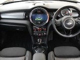 2018 MINI 5-door Cooper D (Black) - Image: 4