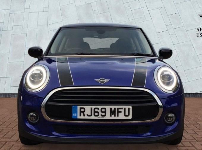 2020 MINI 3-door Cooper Classic (Blue) - Image: 16