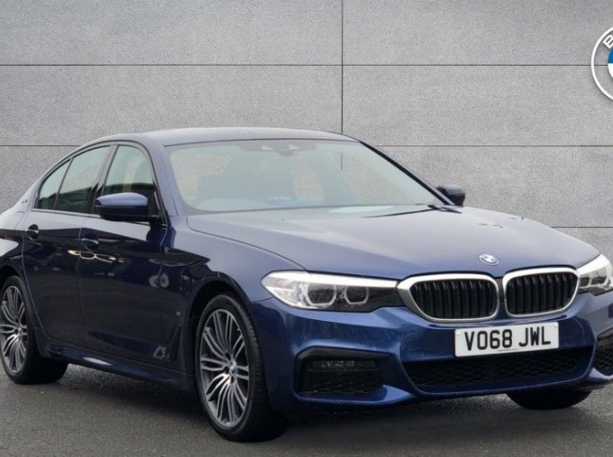 2018 BMW 530e M Sport iPerformance Saloon (Blue) - Image: 1