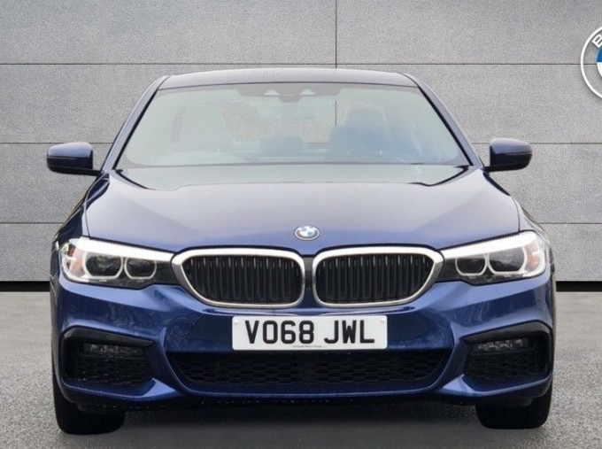 2018 BMW 530e M Sport iPerformance Saloon (Blue) - Image: 16