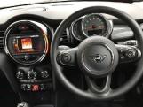 2020 MINI 5-door Cooper Classic (Black) - Image: 5