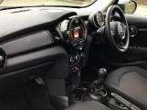 2020 MINI 5-door Cooper Classic (Black) - Image: 7