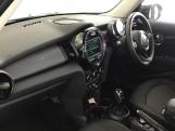 2020 MINI 5-door Cooper Classic (Black) - Image: 6