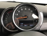 2020 MINI 5-door Cooper Classic (Black) - Image: 9