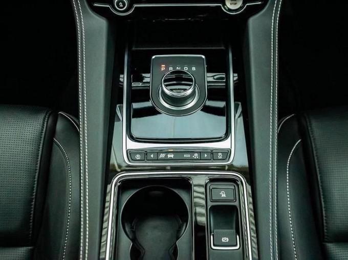 2019 Jaguar Chequered Flag Auto 5-door (Grey) - Image: 12