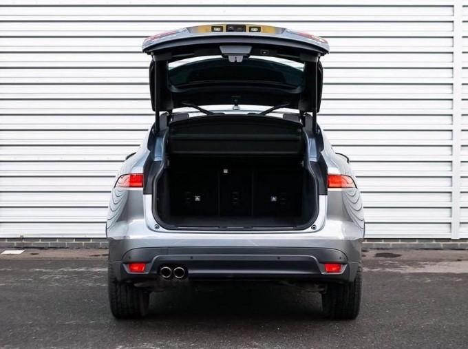 2019 Jaguar Chequered Flag Auto 5-door (Grey) - Image: 15
