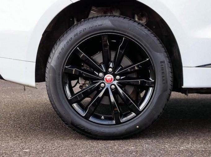 2019 Jaguar Chequered Flag Auto 5-door (White) - Image: 8