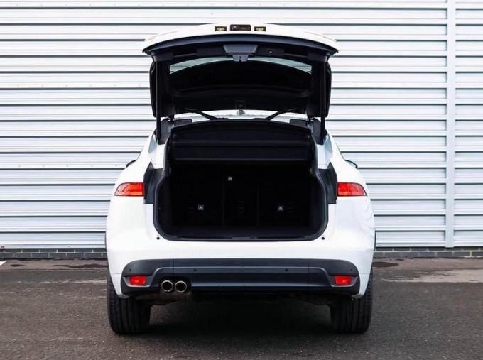 2019 Jaguar Chequered Flag Auto 5-door (White) - Image: 15