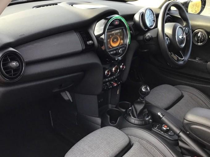 2014 MINI Cooper 3-door Hatch (Red) - Image: 7