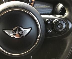 2014 MINI Cooper 3-door Hatch (Red) - Image: 18