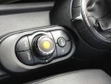 2014 MINI Cooper 3-door Hatch (Red) - Image: 19