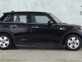 2020 MINI 5-door Cooper Classic (Black) - Image: 3