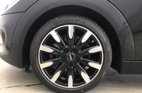2020 MINI 5-door Cooper Exclusive (Black) - Image: 14