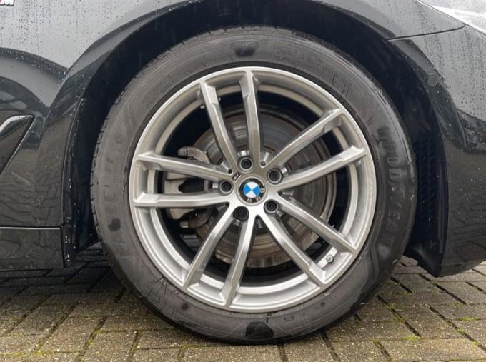 2020 BMW 520i M Sport Saloon (Black) - Image: 14