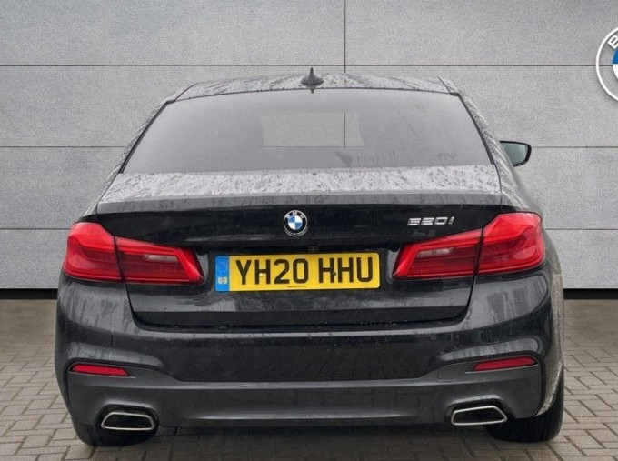 2020 BMW 520i M Sport Saloon (Black) - Image: 15