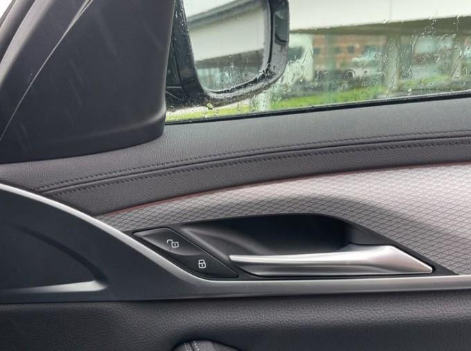 2020 BMW 520i M Sport Saloon (Black) - Image: 20