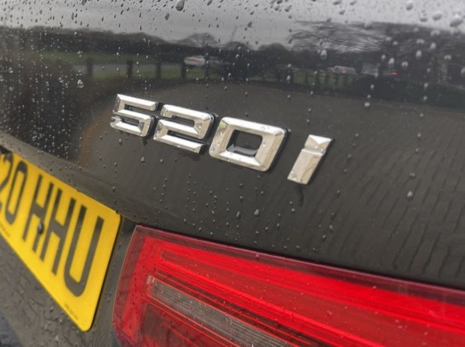 2020 BMW 520i M Sport Saloon (Black) - Image: 23