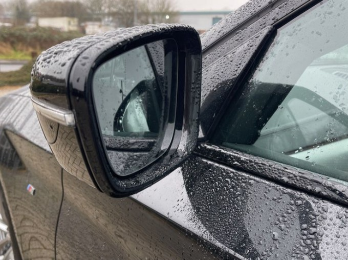 2020 BMW 520i M Sport Saloon (Black) - Image: 26