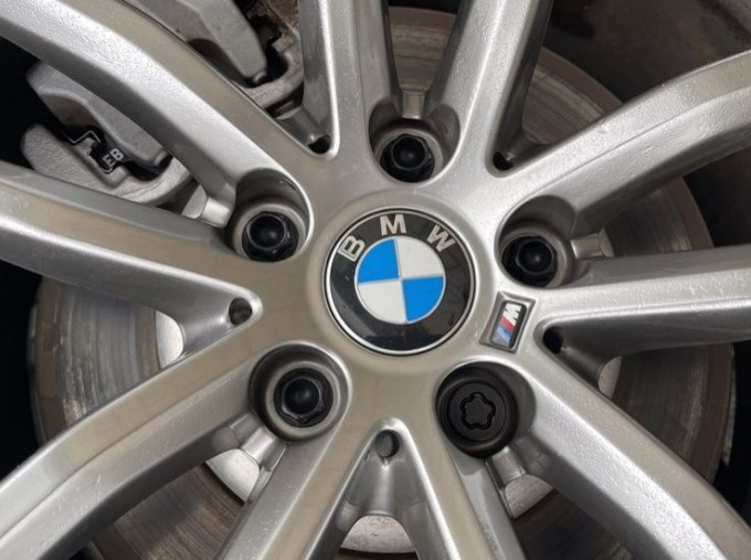 2020 BMW 520i M Sport Saloon (Black) - Image: 32
