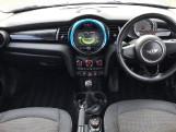 2015 MINI 5-door One (Blue) - Image: 4
