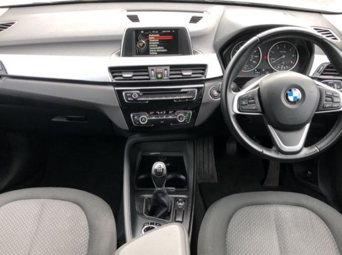 2017 BMW SDrive18d SE (White) - Image: 4