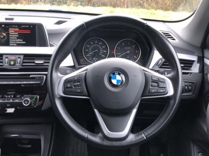 2017 BMW SDrive18d SE (White) - Image: 5